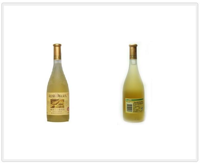 商品名称:威龙金版橡木桶干白葡萄酒4972